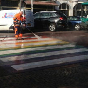 OM vervolgt bekladders 'gaybrapad' Leiden