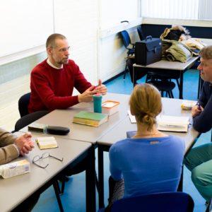 em-bijbelbijeenkomst-praten