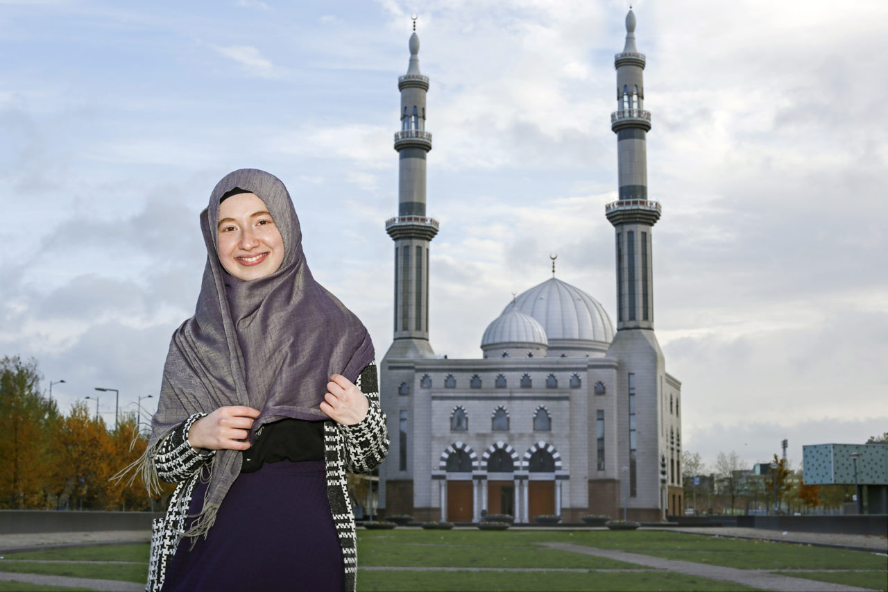 Oznur Senyurt 3