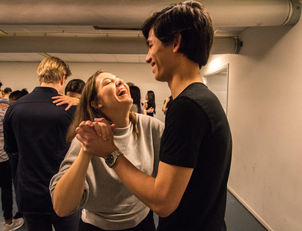 Salsa dansen Erasmus Dancing Society groep