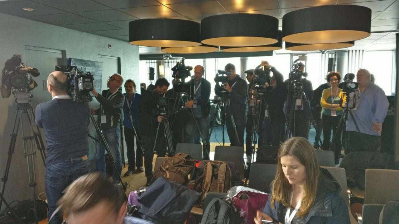 19 cameras persconferentie rutte