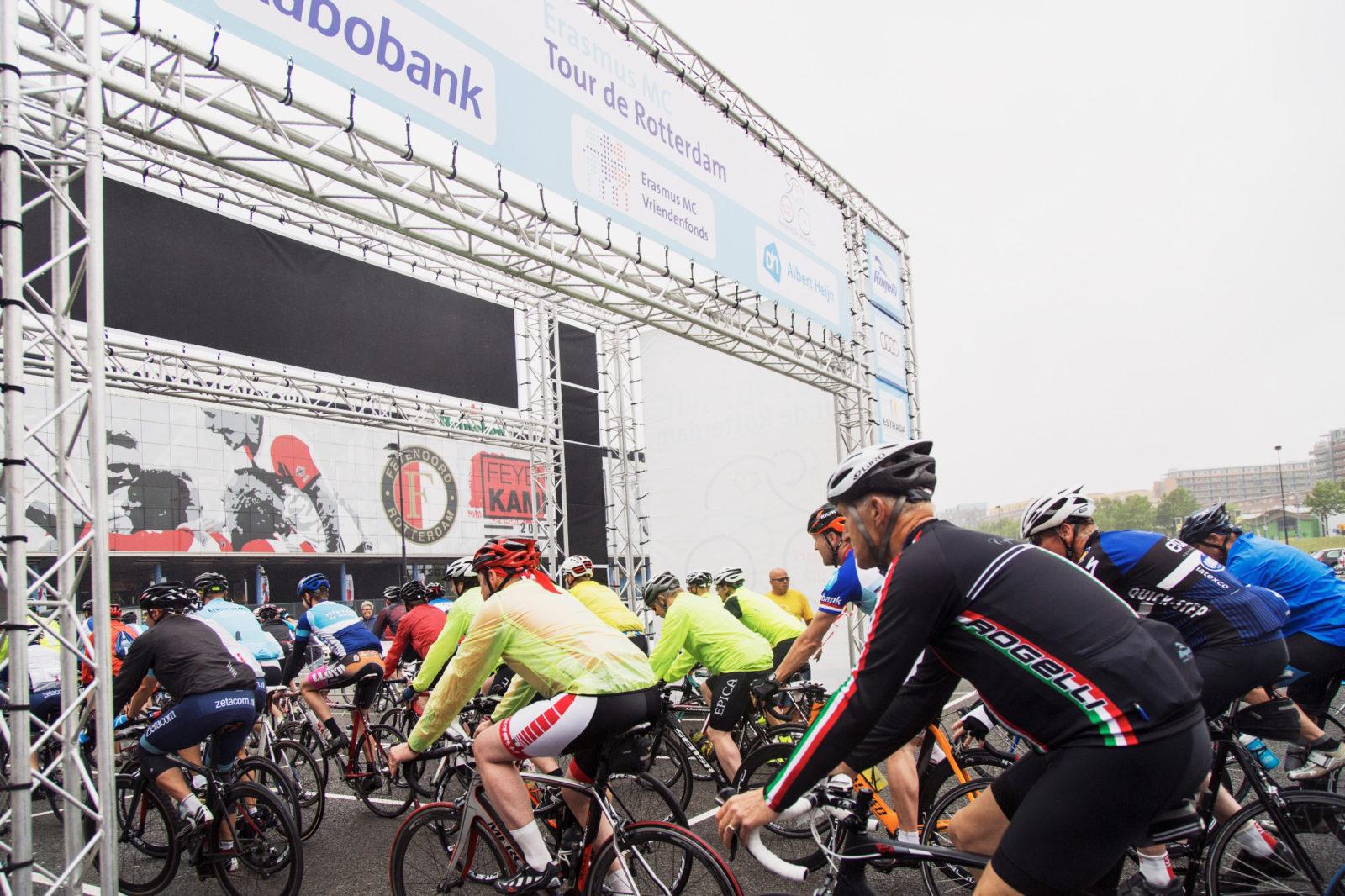 Erasmus MC Tour de Rotterdam, 24 juni 2017, start Topsportcentrum