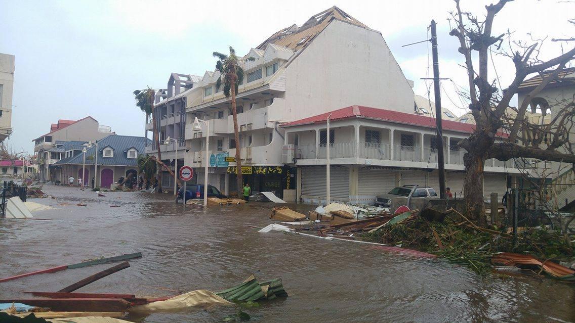 Sint Maarten. Kruispunt in Marigot