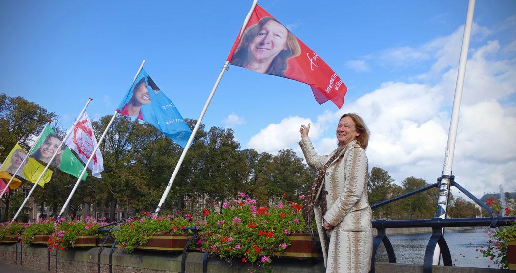 Inge Hutter vlaggen hofvijver lustrum ISS – Tamara Harte