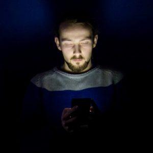 mobieltje telefoon staren whatsapp