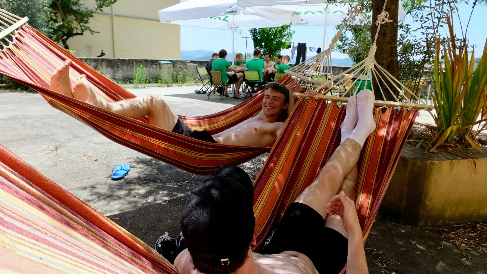 Antibarbari-in-Coimbra-EU-games-hangmat