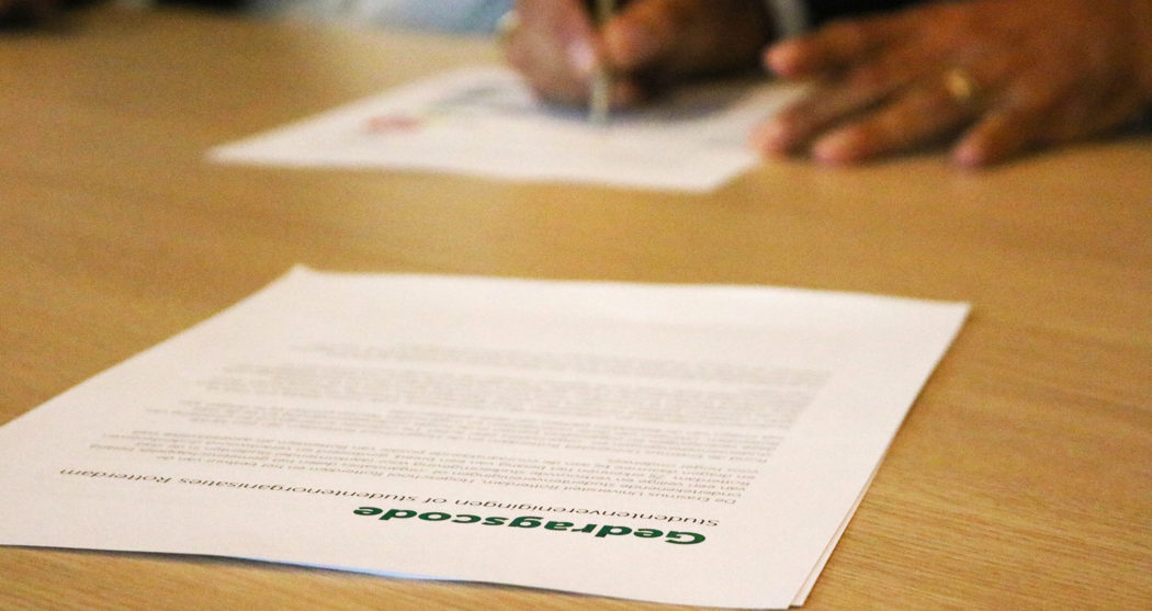 Ondertekenen van de gedragscode voor studentenverenigingen en introducties