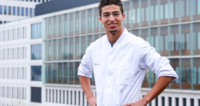 Nizar-El-Manouzi-in-doktersjas-Sanne-van-der-Most