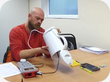 PAT Testing a kettle - PAT Testing Training