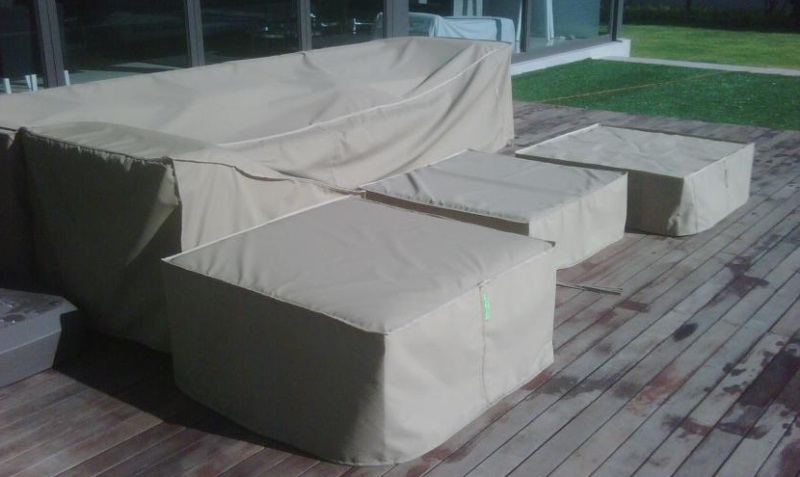 Covered_Patio_Furniture