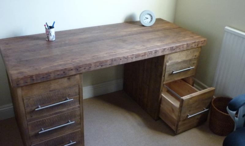 ESL desk