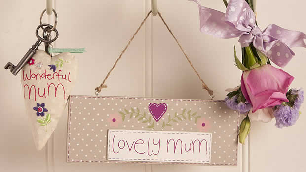 Lovely mum sign