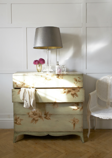Jonathan Charles Painted Floral Chest of Drawers, Sweetpea & Willow £3096.00