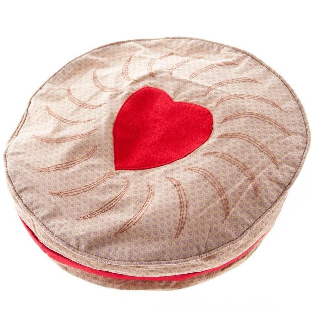 Jammy Dodger Biscuit Cushion, Amazon £17.45