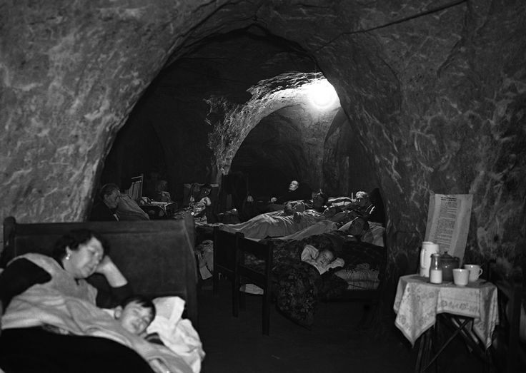Air raid shelter bedroom