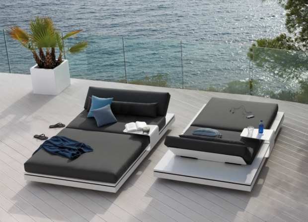 Manutti Elements Sun Lounger, Go Modern Furniture £8092.00