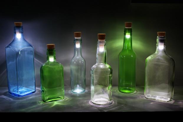 Re-chargable cork bottle stopper light, Hunter Gatherer £13.00