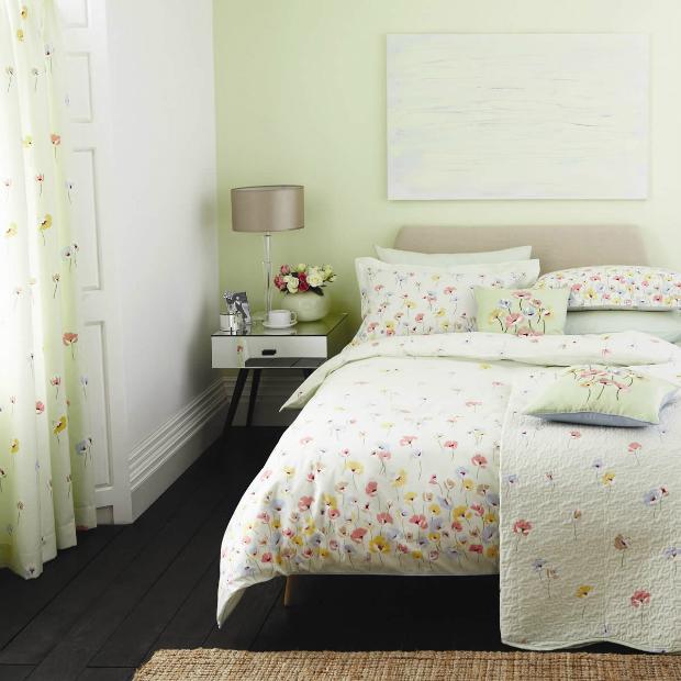 V&A Poppyfield, Just Linen