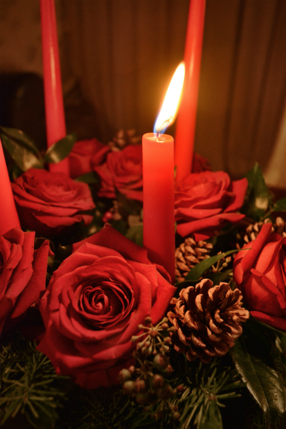 Christmas advent wreath with fresh roses, Emily&Me