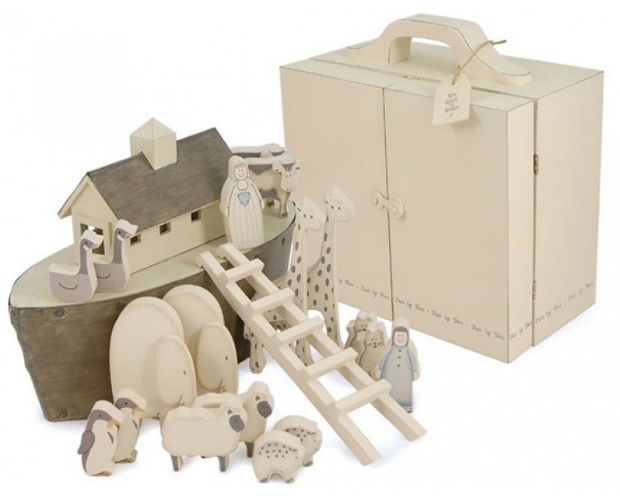 Noah's Ark Set in Wooden Case, Design 55 £75.00