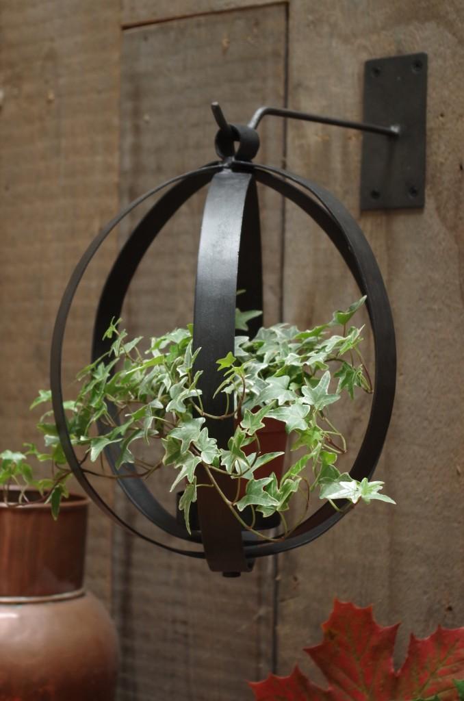 Hanging Iron Orb, Vincent and Barn Ltd £16.00