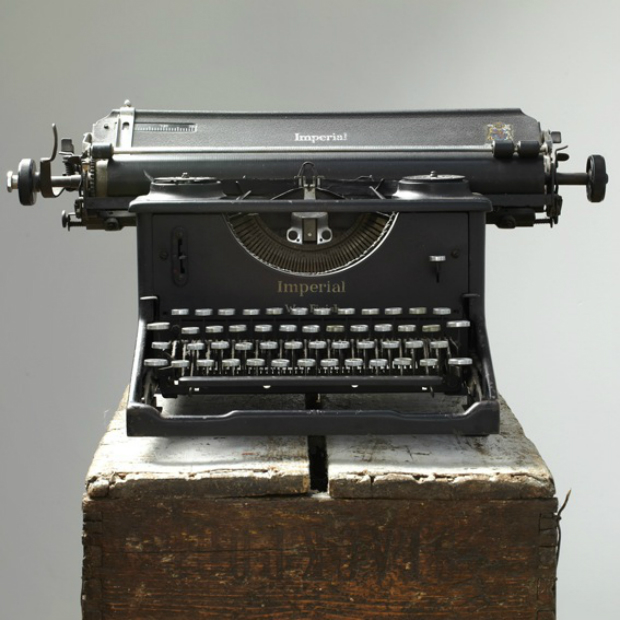 Vintage Imperial War Finish Typewriter, Raspberry Mash £95.00