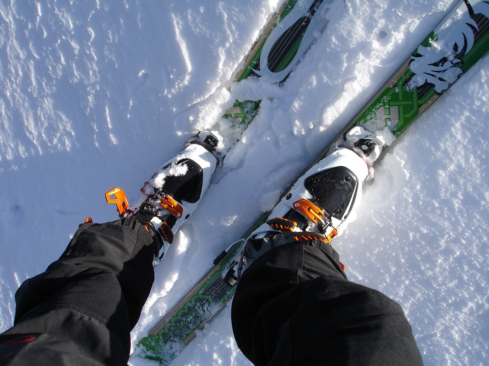 touring-skis-262028_960_720