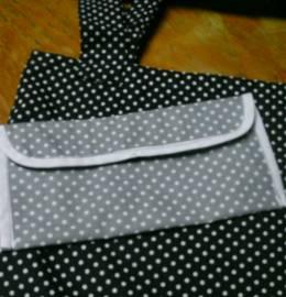 Mala em tecido com bolsa