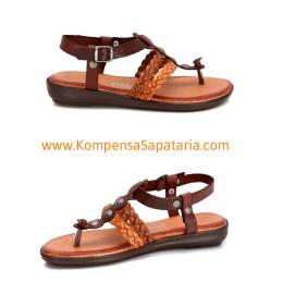 Sandália em Couro c/Sola Confortável