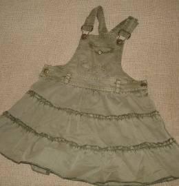 2 Vestidos + 1 saia (18/24 meses)