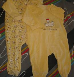 Lote de 2 babygrows (12 meses)