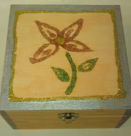 Caixinha de madeira decorada