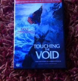 Touching the Void - Uma história de sobrevivência