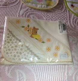 Fralda bordada para bebe