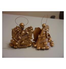Anjos de Natal dourados