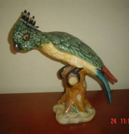 Papagaio em cerâmica