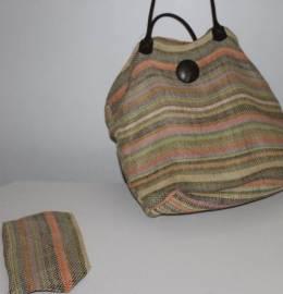 Uma linda bolsa + estojo