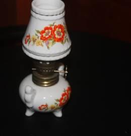 Mini candeeiro a petróleo