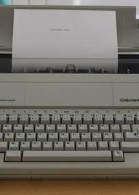 Máquina de escrever - Triumph-Adler Gabriele 110
