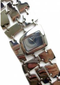 Relógio prateado de senhora