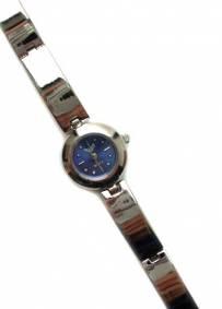 Relógio Select de senhora prateado com visor azul