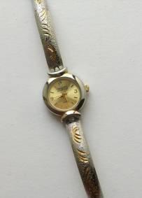 Relógio prateado e dourado Prestige da Waltham