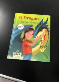 """Livro """"O Dragão"""""""