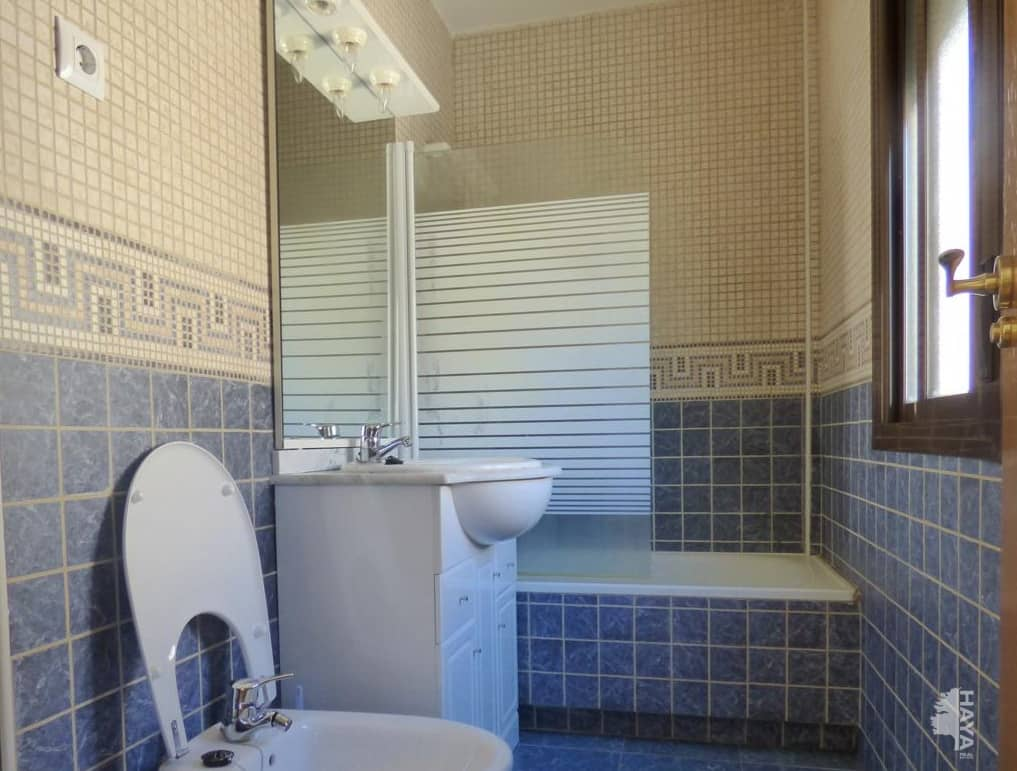 Casa en venta en La Adrada, Ávila, Calle Machacalinos, 116.000 €, 4 habitaciones, 3 baños, 168 m2