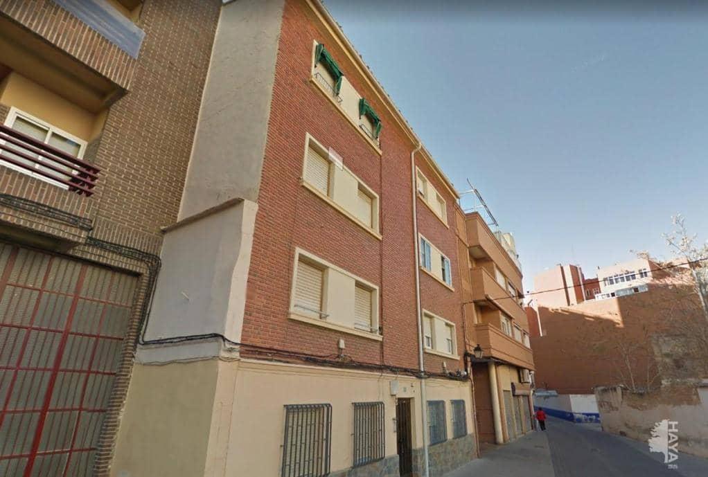 Piso en venta en Hospital, Albacete, Albacete, Calle Lozano, 54.500 €, 4 habitaciones, 2 baños, 66 m2