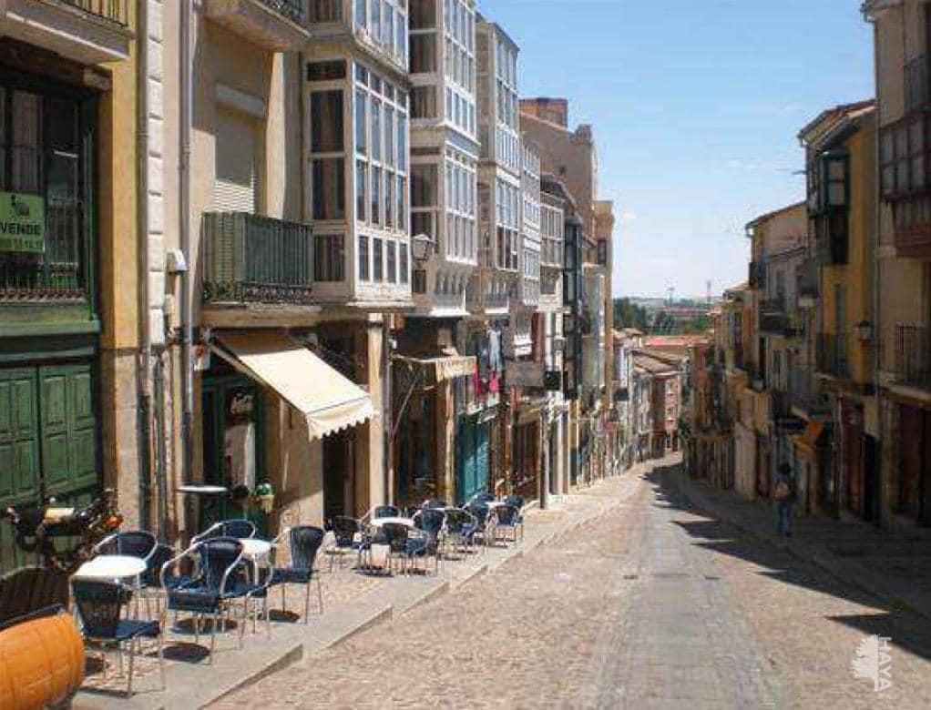 Piso en venta en La Horta, Zamora, Zamora, Calle Balborraz, 48.000 €, 3 habitaciones, 1 baño, 140 m2