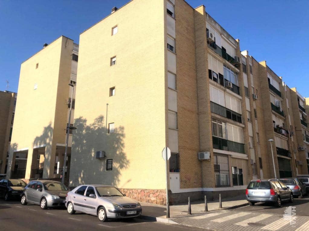 Piso en venta en Distrito 6, Mérida, Badajoz, Calle Manuel Sanabria Escudero, 59.100 €, 3 habitaciones, 1 baño, 96 m2