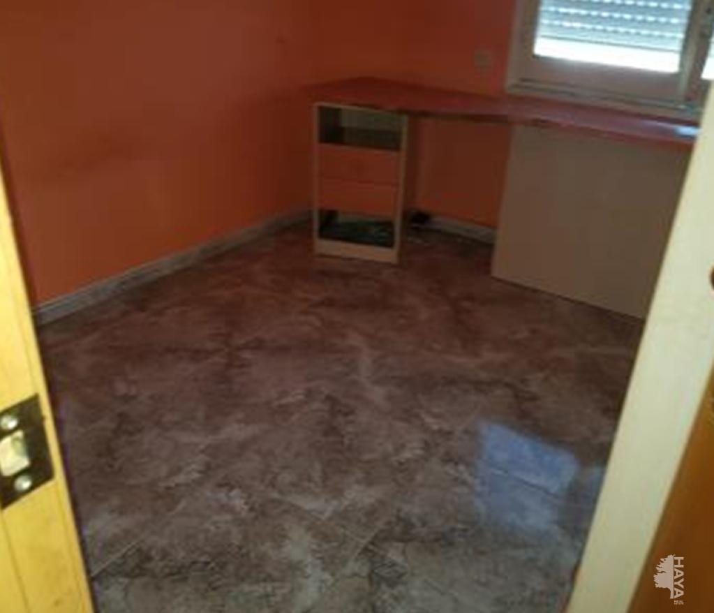 Piso en venta en Cal Rota, Berga, Barcelona, Calle Guillem de Berguedà, 103.100 €, 5 habitaciones, 1 baño, 99 m2