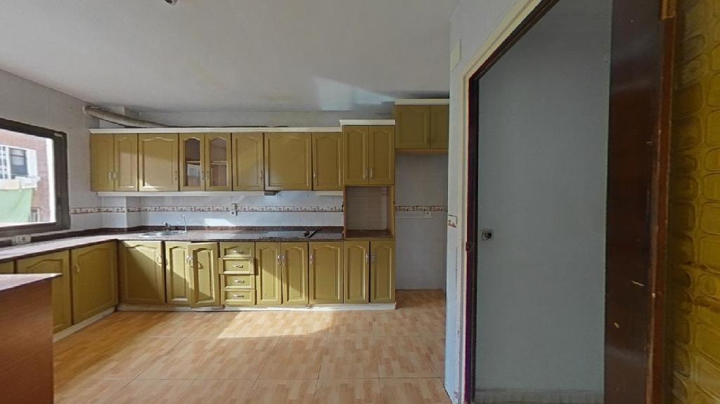 Piso en venta en Piso en Alicante/alacant, Alicante, 108.500 €, 4 habitaciones, 2 baños, 125 m2