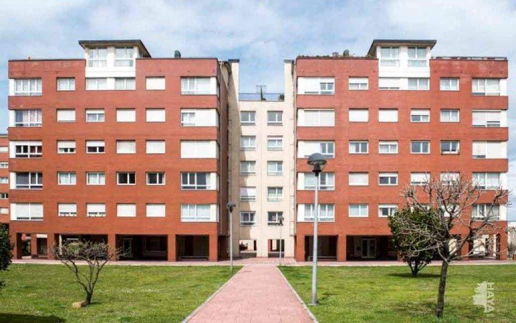 Piso en venta en Nueva Montaña, Santander, Cantabria, Avenida Nueva Montaña, 121.500 €, 3 habitaciones, 2 baños, 97 m2